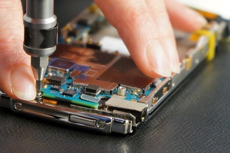 В Калуге запускают производство российских смартфонов