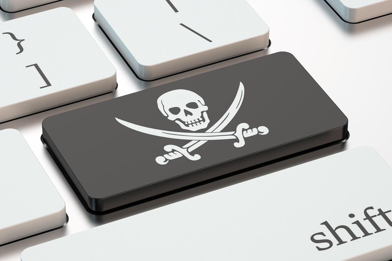 Большинство пользователей предпочитают пиратский контент лицензионному.