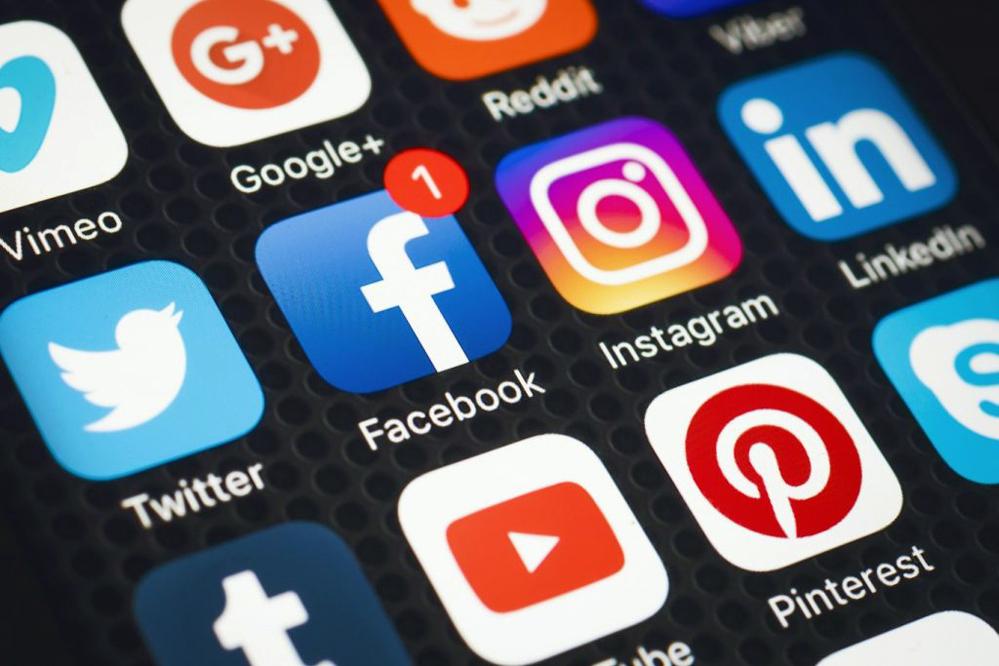 Компания Facebook владеет самым популярным в мире приложением